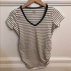 NWOT Side Ruched Maternity Tee